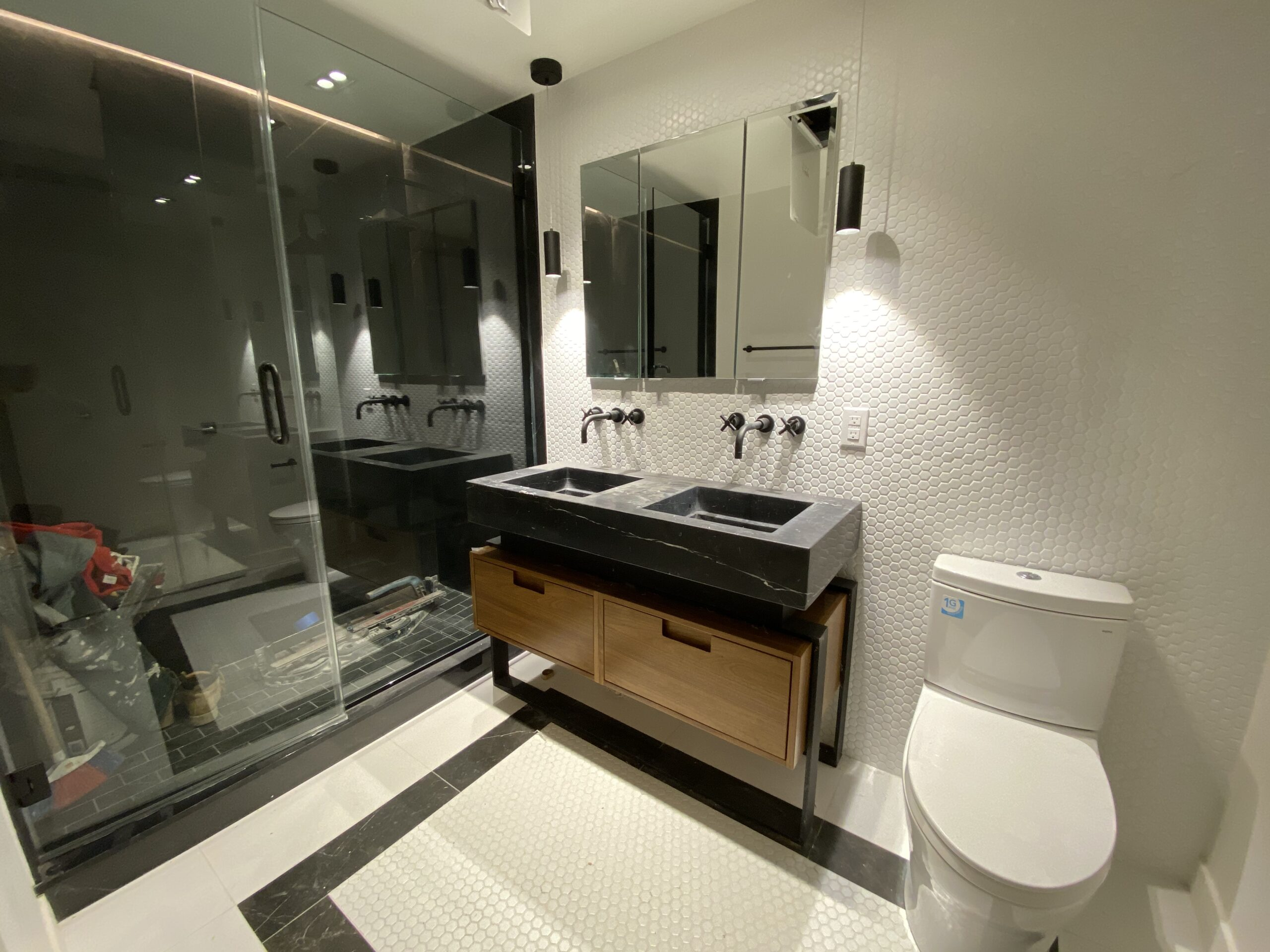 33 Frost bathroom (1)